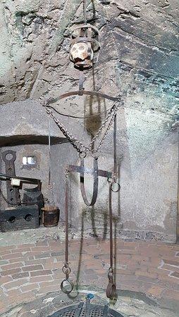 Pražský hrad: Eingang zum Folterkeller.