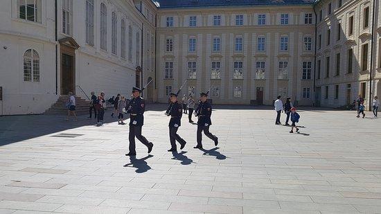 Pražský hrad: Marsch zur Ablöse