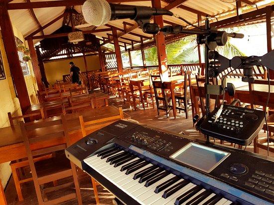 Fratelli d'Italia: los sabados te entretenemos con musica en vivo!