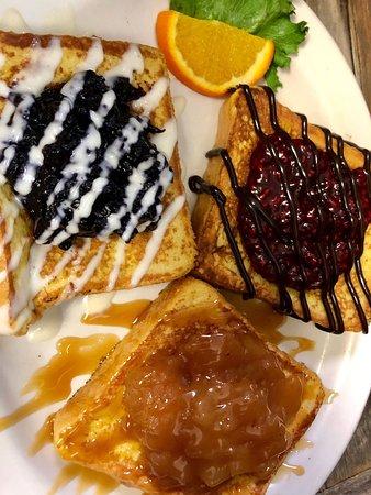 Delona Restaurant: French Toast Trio