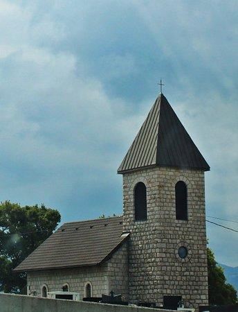 Livno, บอสเนียและเฮอร์เซโกวีนา: Filijalna Crkva i Groblje