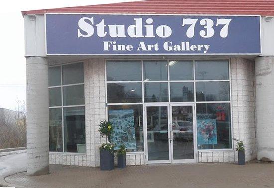 Studio 737