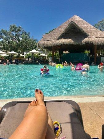 Ocean Riviera Paradise: Daisy Section Swim Up Bar Pool