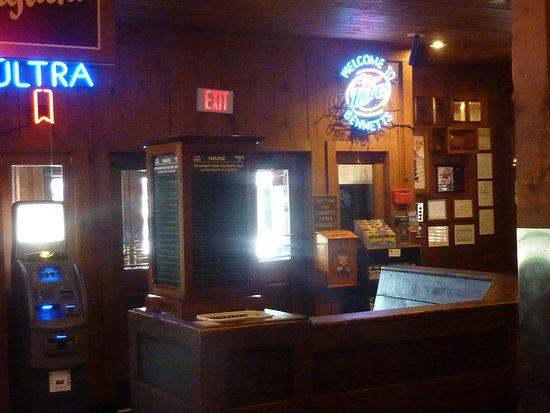 Bennett's Pit Bar-B-Que: Bennett's Pit BBQ Pigeon Forge