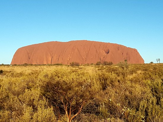 Ayers Rock Day Trip from Alice Springs Including Uluru, Kata Tjuta and Sunset BBQ Dinner: Taken around 4pm, while we wait for sunset