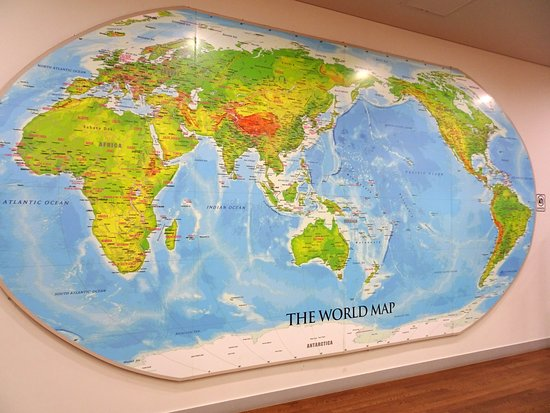 Seoul Metropolitan Library: Map of the world in library.