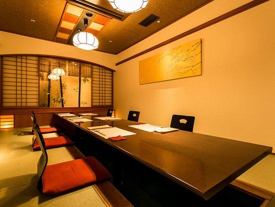 全席完全個室、大小お部屋を備える、地域最大級の会席・日本料理店です。