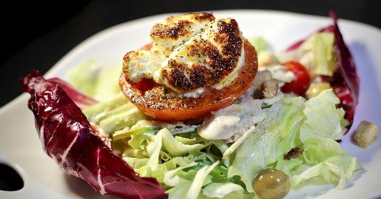 Le Chandelier: Ensalada de queso de cabra caliente