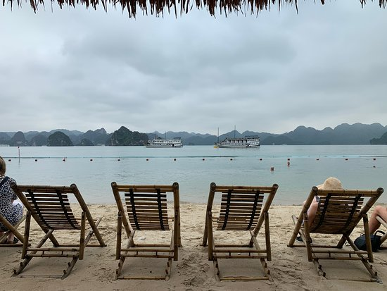 Фотография Halong Bay Full-Day Cruise with Kayaking from Hanoi