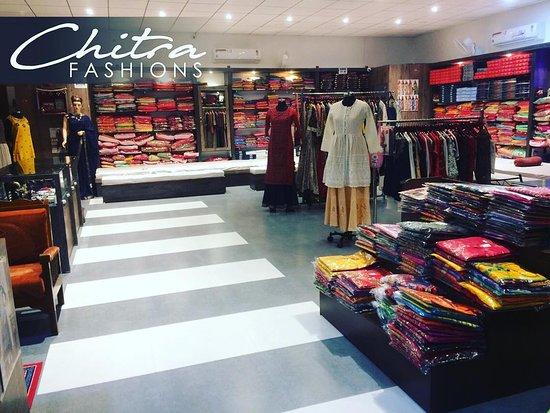 Kankroli, Indie: Best Ladies ethnic wear store in town must visit