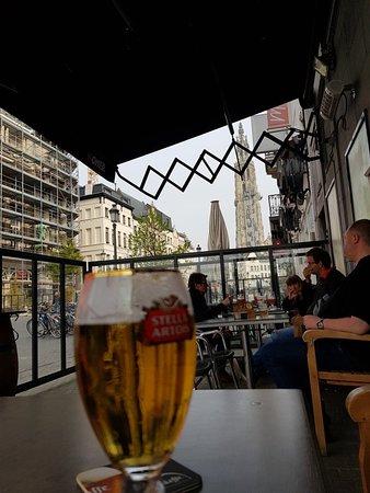 Cafe Pardaf : Great bar