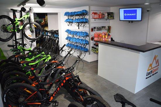 Swieradow Zdroj, Polen: Zapraszamy do wypożyczalni rowerów Lech Sport w Świeradowie - Zdroju. W naszej ofercie znajdą Państwo rowery z wspomaganiem elektrycznym (e-bike) oraz napędzane siłą własnych mięśni :)