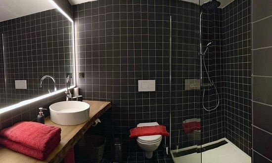 Maison Catalina: salle de bain chambre Bougainvillea / bathroom Bougainvillea / Badezimmer Bougainvillea