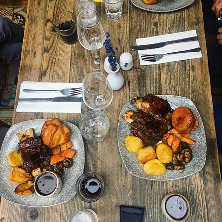 Jacob's Beef Ladder with all trimmings, Sunday Roast