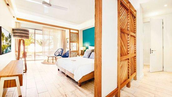 Victoria Beachcomber Resort & Spa - Victoria for 2 - Swim-up Room