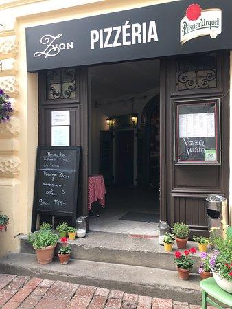 Lovely pizzeria