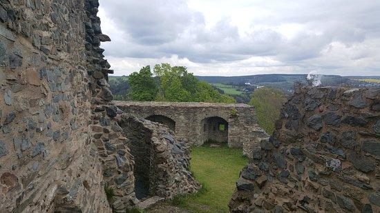 Lichtenberg, Allemagne : Restaurierte Burghoffragmente