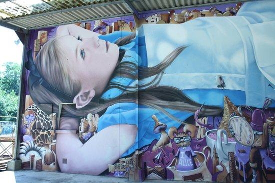 Lurcy-Levis, Франция: Alice