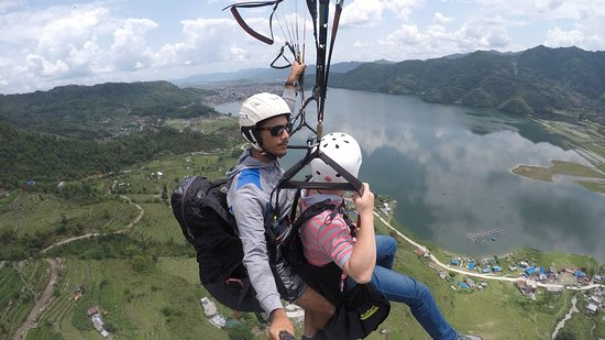 ‪Lakeside Paragliding‬