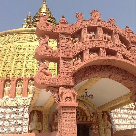 Mandalay, Myanmar: A lot of beautiful carvings!