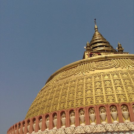 Mandalay, Myanmar: Stupa.