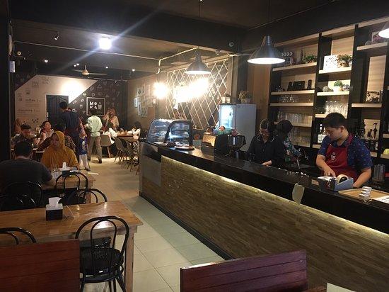 Suasana Cafe
