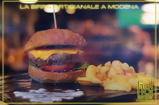 Hamburger e patate al forno speziate
