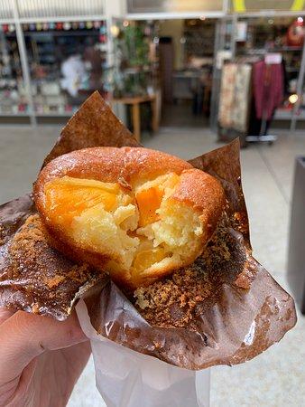 Andersen Bakery: Mango Muffin
