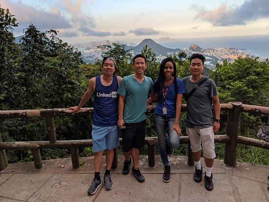 Nova Iguaçu, RJ: Turistas dos Estados Unidos realizando um passeio no Rio