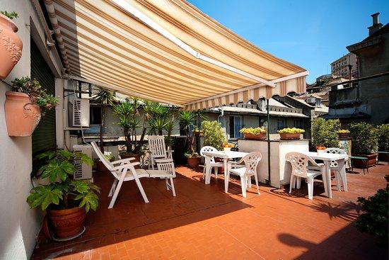Hotel Cairoli, Hotels in Genua