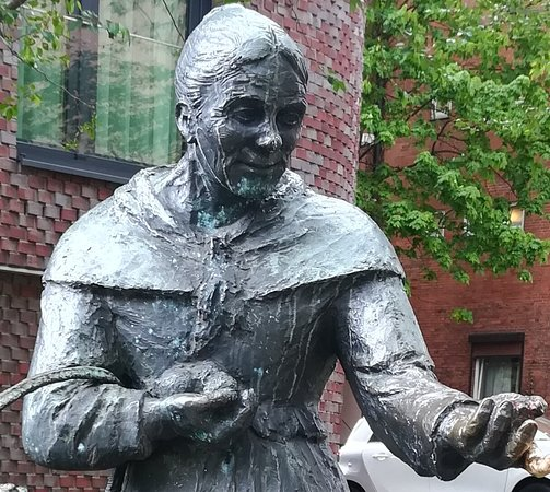 Statue of Zitronenjette