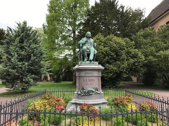 Hirn Monument
