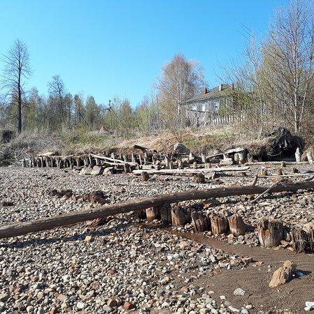 Chyormoz, Rosja: #берег Камы, какие-то берегоукрепительные сооружения или останки завода...