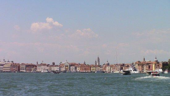 Laguna di Venezia: avvolge la storica città
