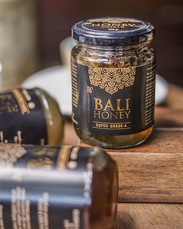 Daily Feed Coffee: Take home a bottle of honey from Bali.