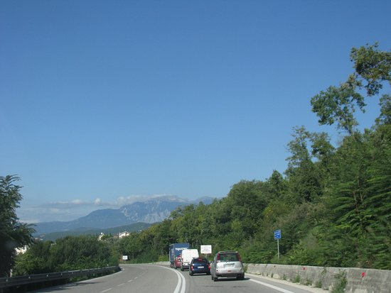 Umbría, Italia: View of Umbria Hills from motorway