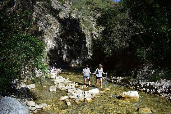 Senderismo acuático en el río Chillar