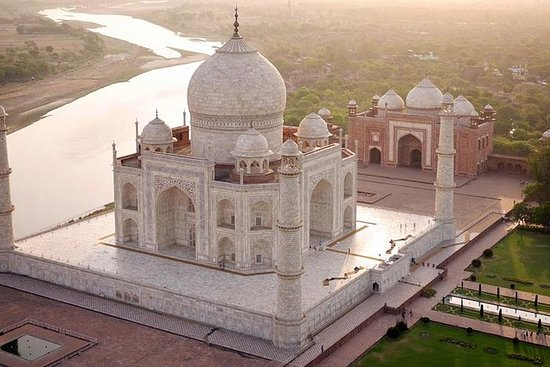 From Delhi : Private Sunrise Tour of Tajmahal & Agra Fort