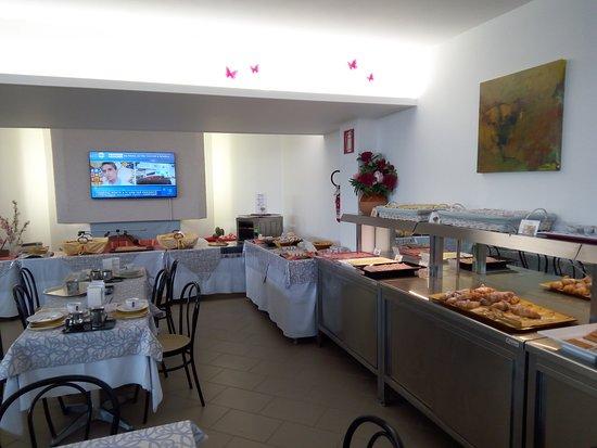 Hotel Mayola: sala colazione a buffett