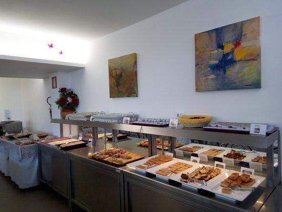 Hotel Mayola: sala colazione a buffet