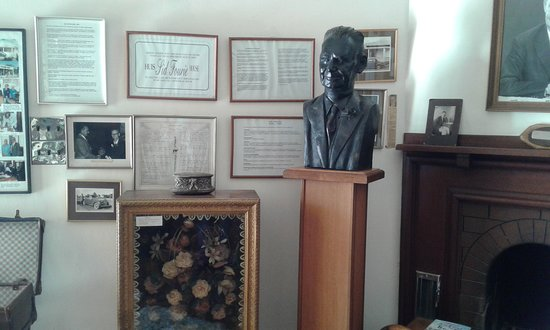 Jansenville, Dél-Afrika: Bust of Sid Fourie  in museum's entrance hall