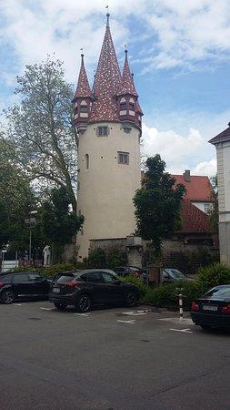 Lindau, Tyskland: Gegenüber vom Diebsturm befindet sich der Fahrradverleih Radinsel.de