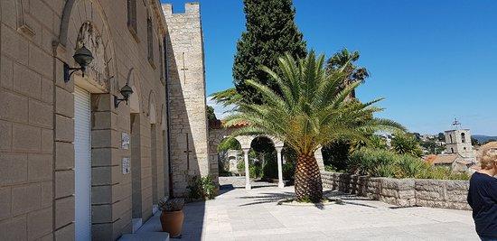 Parc Sainte-Claire: St Claire Doorway
