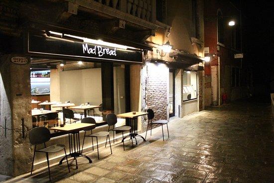 Osteria da Nason: Esterno locale - foto da fuori by night