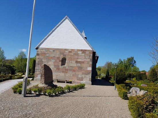 Oster Lindet Kirke