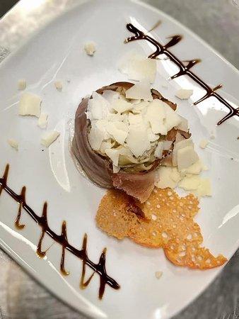 Primo di carne - Tagliatelle speck, tartufo e scaglie di grana