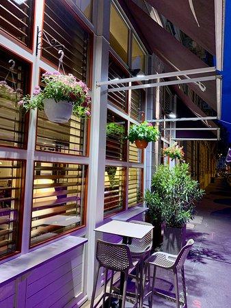 Fleurs De Printemps En Terrasse Picture Of La Regate