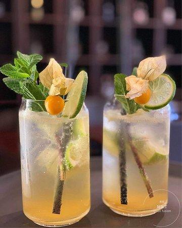 Bei dieser Hitze braucht man einfach mal eine erfrischende Auszeit. Das geht am besten mit unseren hausgemachten, frischen, saftigen und wohltuenden Drinks!