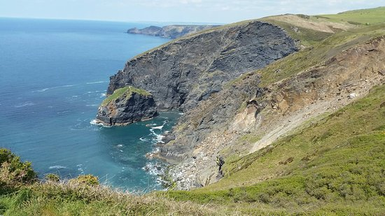 Beeny Cliff & Pentargon Falls Path Walk