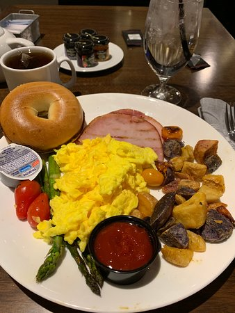 Baltimore Marriott Inner Harbor at Camden Yards: breakfast off of menu